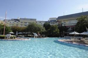 boardwalk-piscina